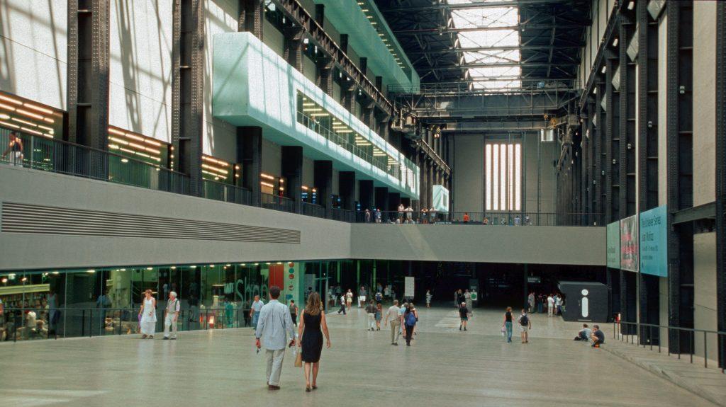tate_modern_london_2001_03